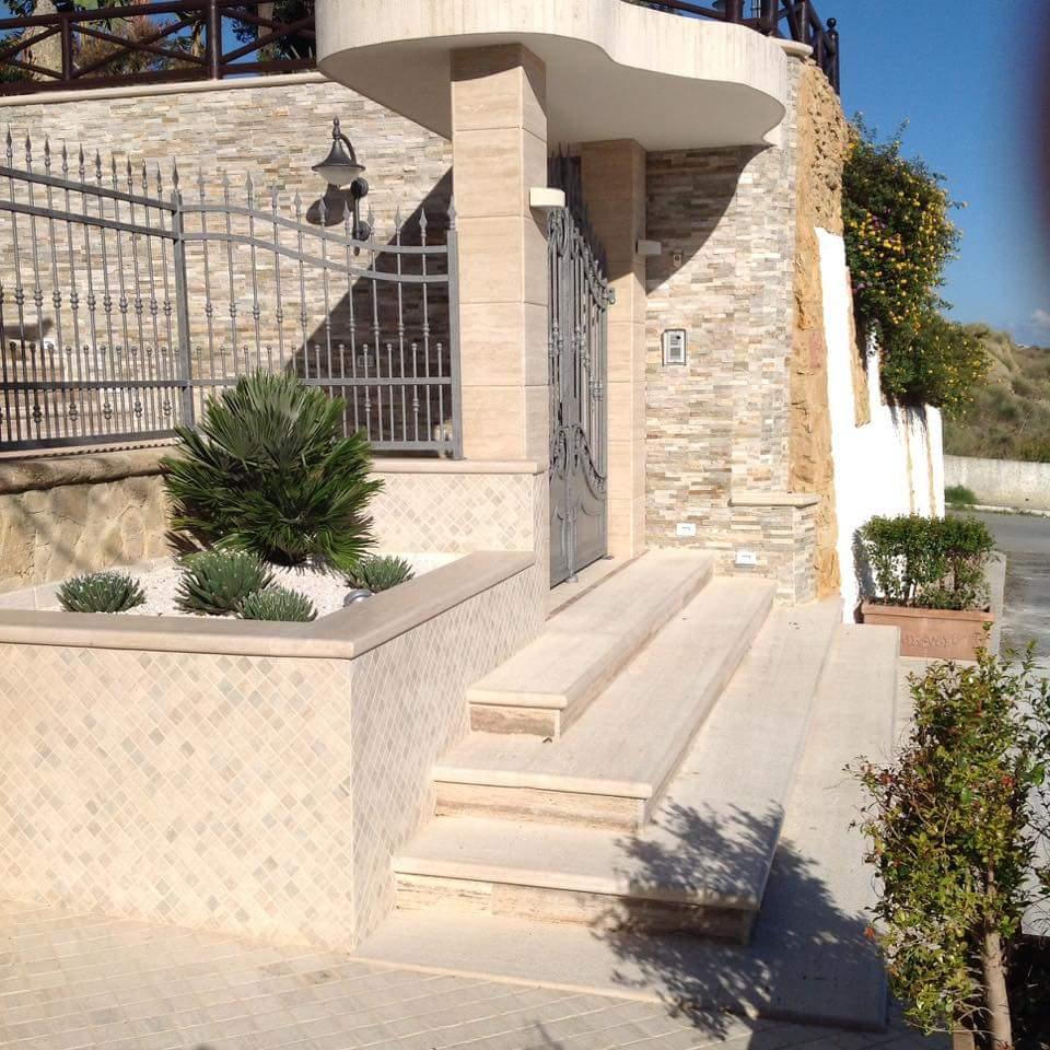Scala In Marmo Nero scale realizzati da marmi fontana s.r.l. - casabona